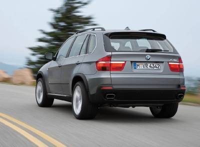 x5_facelift_rear_tree
