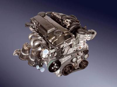 320si_e90_engine_front